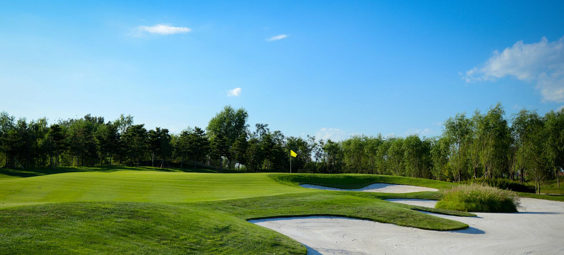 beautiful-golf-course-2